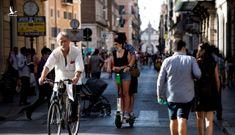 Ý tuyên bố dỡ bỏ lệnh bắt buộc đeo khẩu trang công cộng