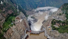 Đập thủy điện khổng lồ cao hơn đập Tam Hiệp ở Trung Quốc chính thức hoạt động