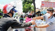 TP.HCM: Hơn 287.000 người lao động tự do được hỗ trợ tiền ảnh hưởng bởi dịch Covid-19
