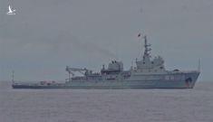 """Biển Đông 20/7: Bộ Ngoại giao Trung Quốc nói """"không biết"""" về vụ tàu chiến quấy nhiễu trên Biển Đông"""