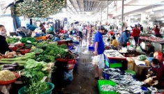 TP HCM xem xét mở lại chợ truyền thống