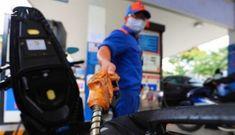 Đại gia xăng dầu lãi lớn giữa đại dịch: Người dân, doanh nghiệp vận tải méo mặt