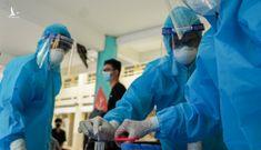 Bộ Y tế chuyển khẩn một triệu liều vaccine Moderna đến TP.HCM