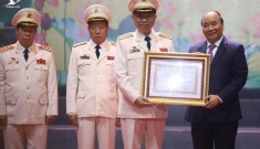 """Chủ tịch nước: Lực lượng an ninh nhân dân là """"thanh bảo kiếm"""" bảo vệ Đảng và nhân dân"""