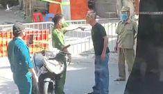 Người đàn ông bóp cổ, tấn công lực lượng chống dịch khi được nhắc đeo khẩu trang