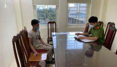 Hà Nội: người đàn ông cầm dao đuổi chém cán bộ trực chốt