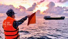 """""""Lá chắn thép"""" ngăn chặn dịch Covid-19 trên vùng biển Tây Nam"""