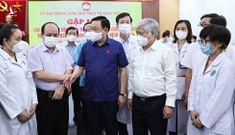 Gần 3.000 y, bác sĩ bệnh viện T.Ư lên đường chi viện miền nam chống dịch