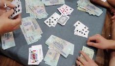 Tạm đình chỉ công tác 4 cán bộ xã đánh bạc trong trụ sở cơ quan