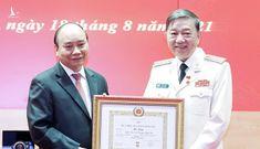 Chủ tịch nước trao Huy hiệu 30, 40 năm tuổi Đảng cho lãnh đạo Bộ Công an