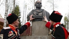 """Ông Putin lại ra đòn hiểm: """"Hồi sinh"""" đạo quân Nga từng là nỗi ám ảnh của Châu Âu?"""