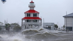 Nước Mỹ hoang tàn sau siêu bão Ida