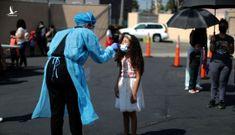 Reuters: Số trẻ em nhập viện do COVID-19 ở Mỹ tăng kỷ lục