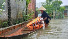 Bão số 5 gây mưa lớn xối xả ở miền Trung, di dời hàng ngàn dân