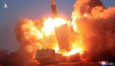 Ông Vương Nghị thăm Hàn Quốc, Triều Tiên phóng 2 tên lửa đạn đạo