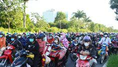 Thủ tướng yêu cầu khẩn các tỉnh hỗ trợ người dân về quê, không để tình trạng ùn ứ