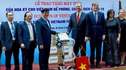Mỹ tặng Việt Nam 100 máy thở, theo đề nghị của ông Trump