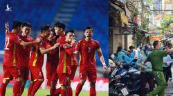 Bản nhạc đồng điệu giữa bóng đá và chống dịch