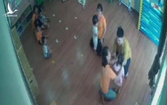 Phẫn nộ vụ bé gái 2 tuổi bị bố bạn cùng lớp mầm non túm tóc, tát vào mặt