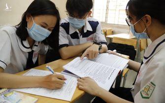 TP.HCM cho phép học sinh lớp 9 và lớp 12 đến trường ôn tập