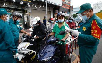 Người dân bình tĩnh, tin tưởng các biện pháp chống dịch của TP.HCM