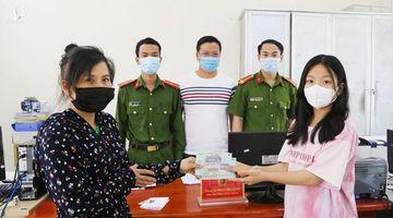 Học sinh lớp 7 Hà Tĩnh nhặt được gần 30 triệu đồng trả lại cho người đánh rơi