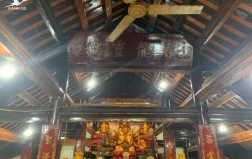 Đàm Vĩnh Hưng lên tiếng về việc dùng tiền quyên góp bà con vùng lũ đi sửa chùa ở Nghệ An