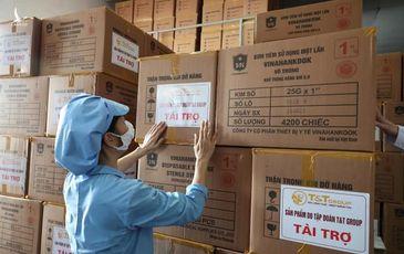 """T&T Group Hà Nội """"tiếp sức"""" 500.000 bộ bơm tiêm vắc-xin COVID-19 cho TP.HCM"""